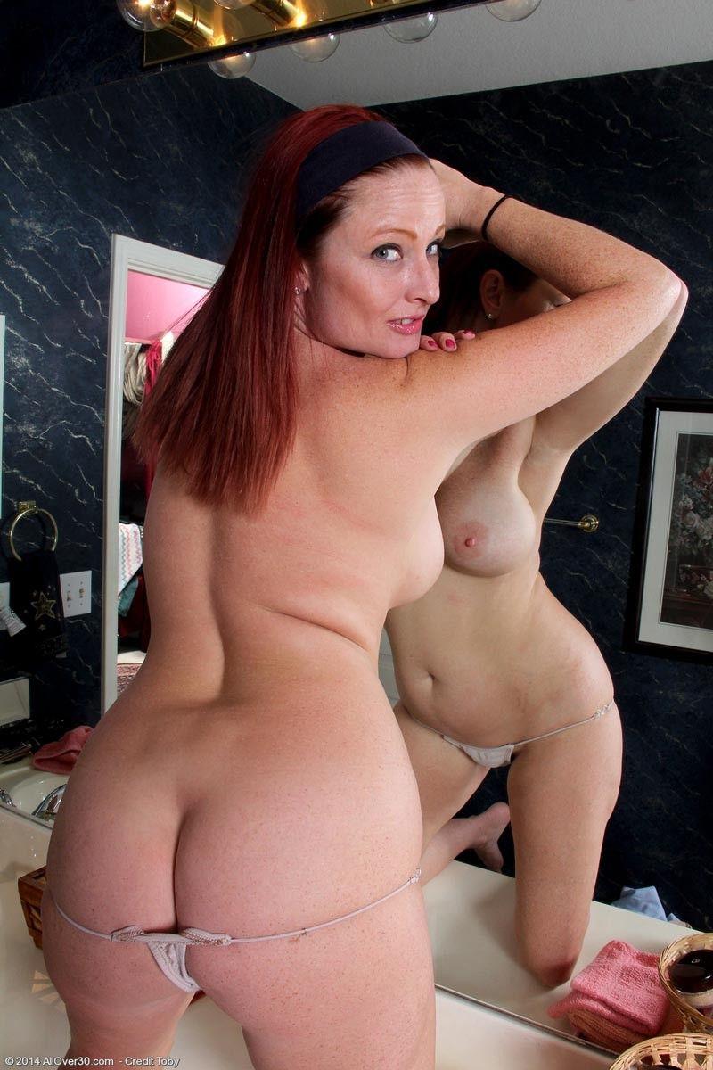 Milf nude curvy Nude Oldies